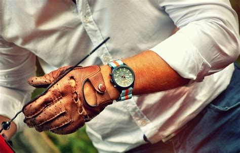 The Vintage Driver Chrono Watch: A Classy Way to Keep Pace