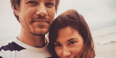 Taylor Hanson & Wife Natalie Welcome Sixth Child – Find
