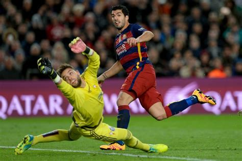Suarez and Messi penalty trick lights up Barca rout of