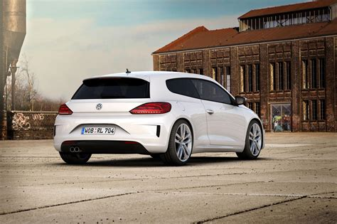 Volkswagen Golf Variant and Scirocco Updated with R-Line