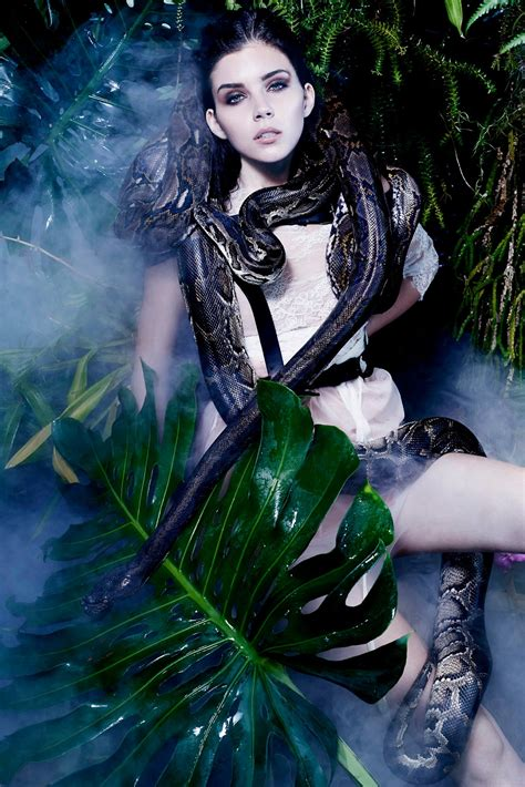 Next Top Model Blog: GNTM C9: Flora and Fauna with Snakes