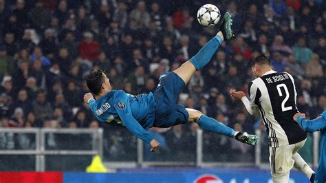 Ronaldo's Champions League bicycle kick goal for Real
