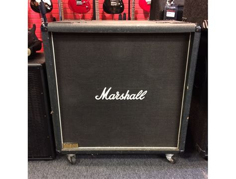 Marshall JCM 800 Bass Series Reviews & Prices | Equipboard®