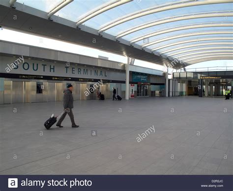 New South Terminal entrance at Gatwick Airport in Crawley