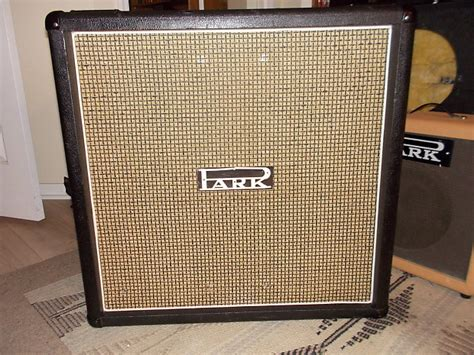 Park / Marshall 1982B 100 watt 4x12 speaker cabinet Black