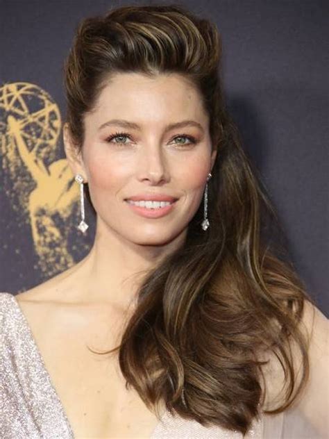 Compare Jessica Biel's height, weight, body measurements