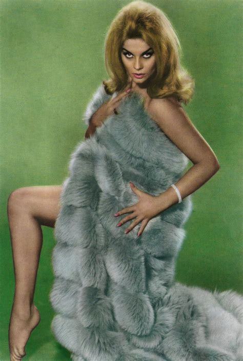 Ann-Margret in Once a Thief (1965) | Spanish postcard by